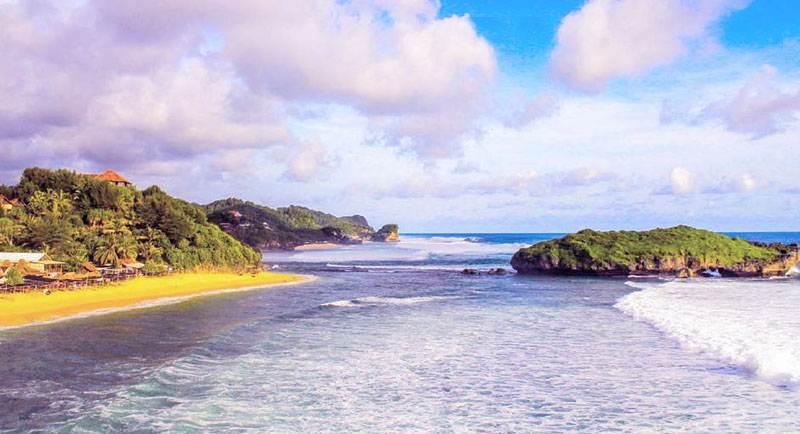 Wisata Pantai Slili