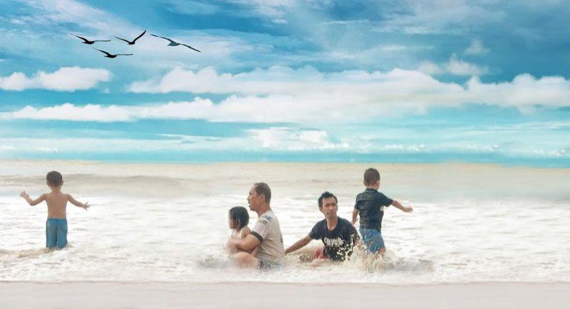 Berenang Di Pantai Kura Kura