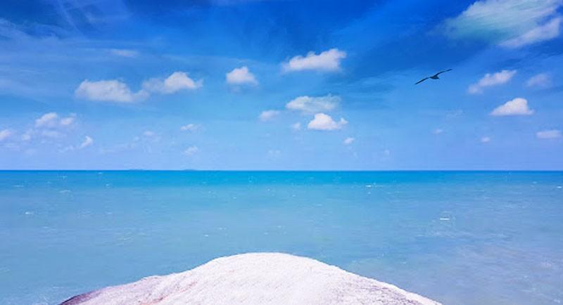 Indahnya Pantai Panyabong