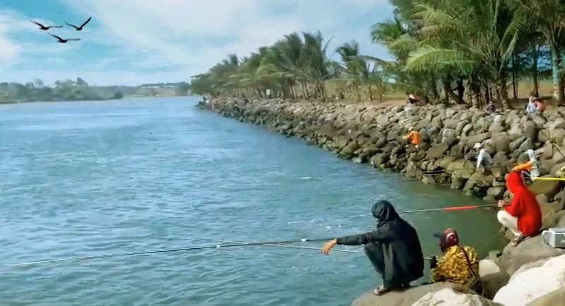 Mancing Di Pantai Genjik Purworejo