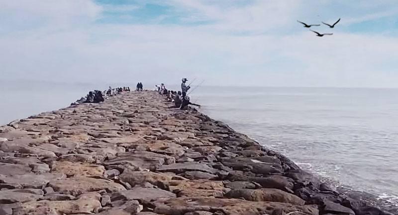 Obyek Wisatai Pantai Larangan Tegal