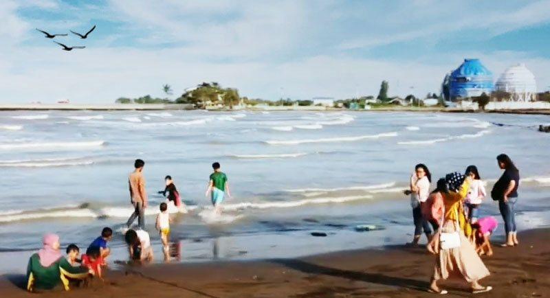 Pantai Balongan Indah Yang Menarik