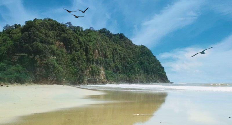 Pantai Dlodo Tulungagung