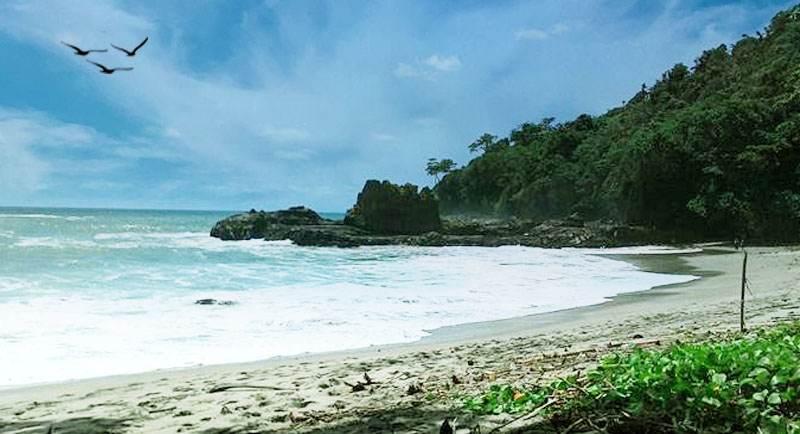 Pantai Jatisari Rembang Jawa Tengah
