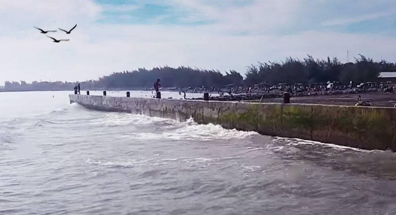 Pantai Larangan Tegal Jawa Tengah