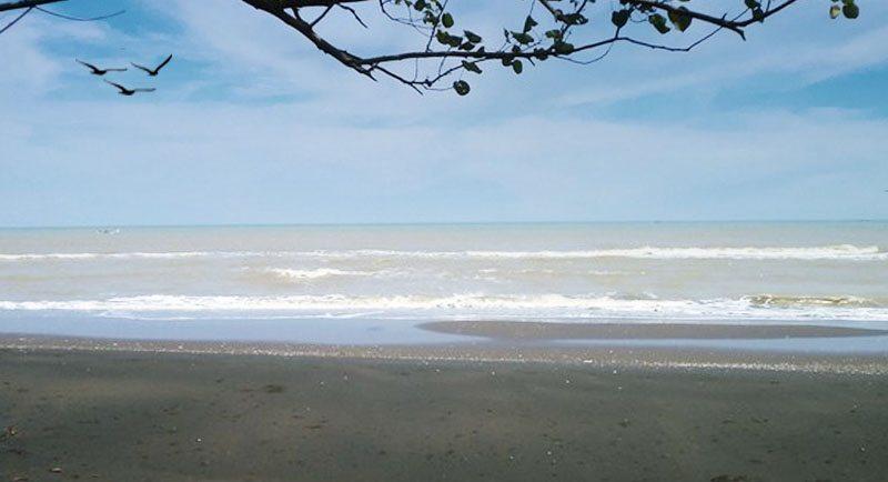Pantai Larangan Tegal