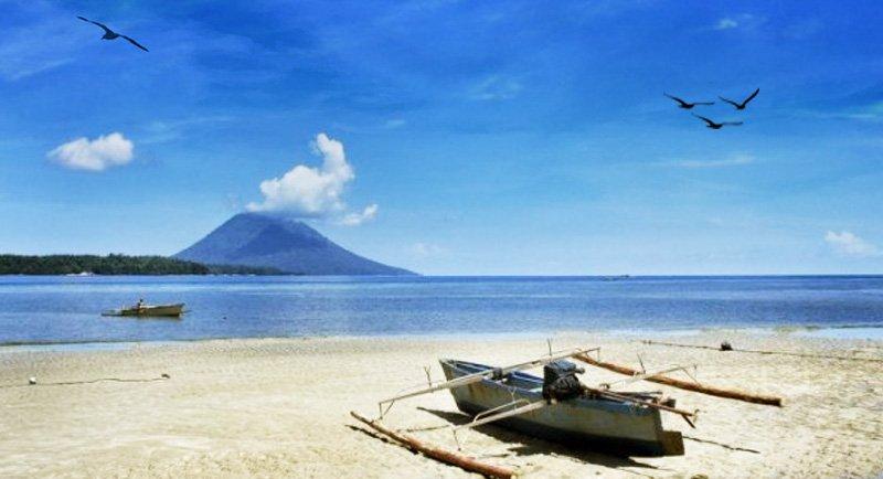 Pantai Malalayang Manado