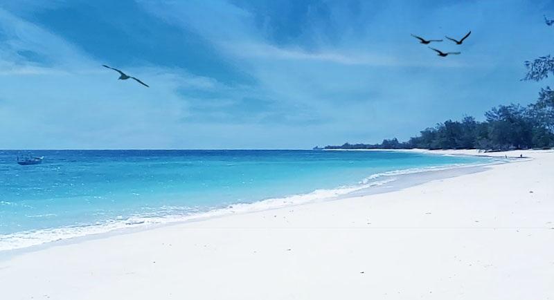 Pantai Puru Kambera Sumba Timur