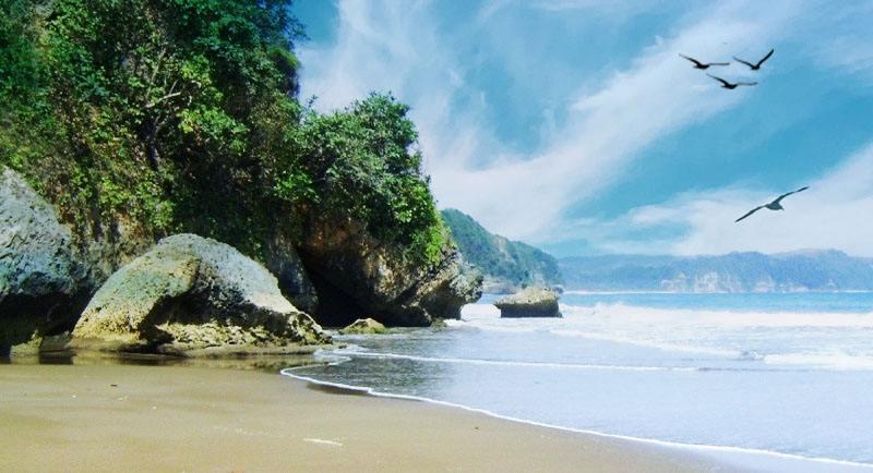 Pantai Sine Yang Indah