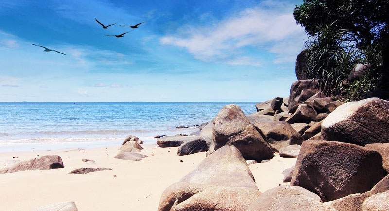 Pantai Tanjung Batu Kalimantan Barat