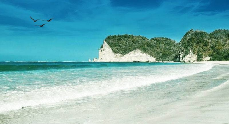 Pantai Tarimbang Sumba Timur Ntt