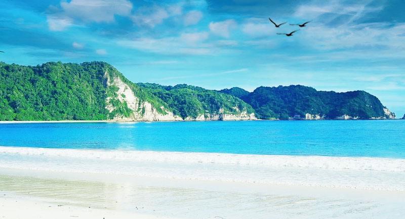 Pantai Tarimbang Sumba Timur