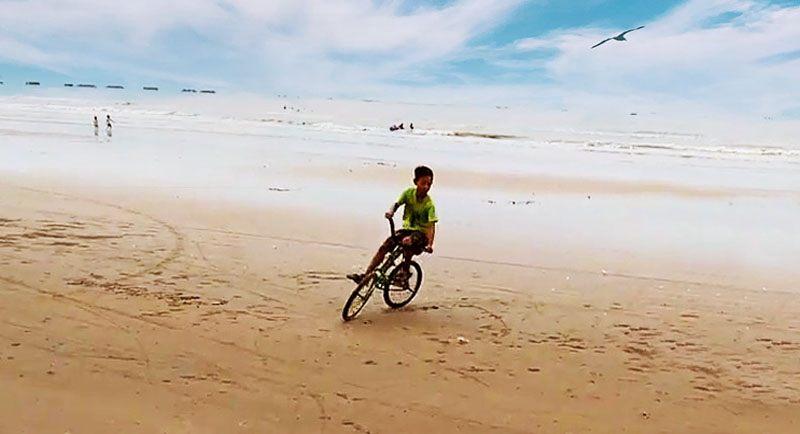Pasir Putih Pantai Caruban