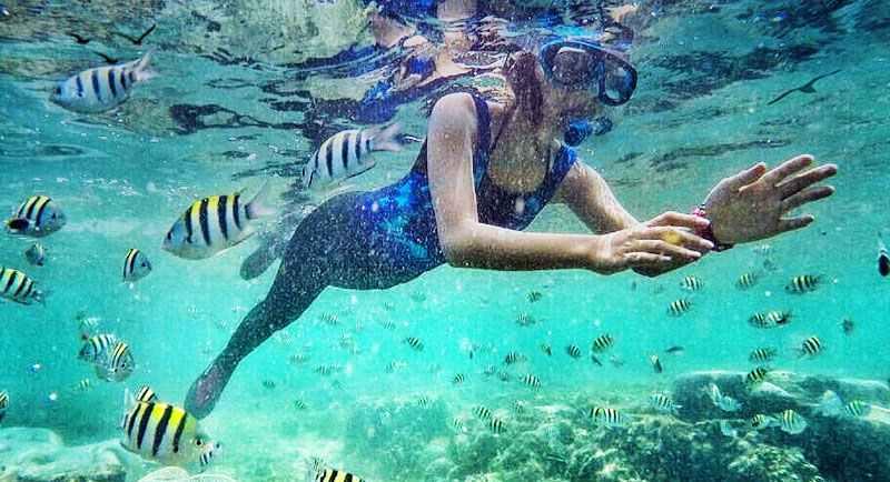 Snorkeling Di Pantai Bolu Bolu