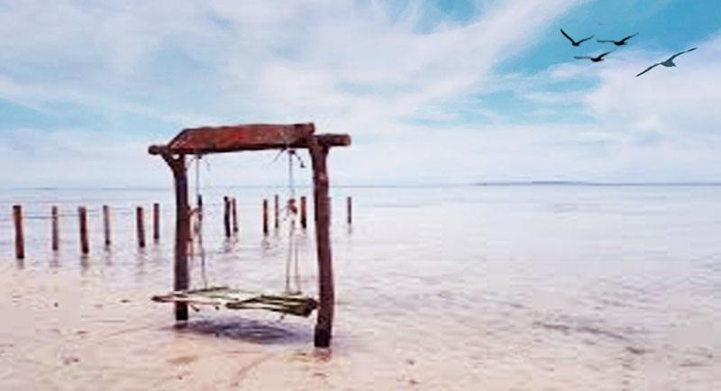 Spot Photo Pantai Sunset Laendra