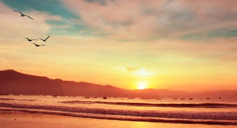 Sunrise Di Pantai Sine