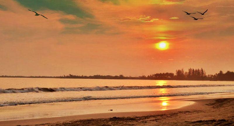 Sunset Di Pantai Bulbul Balige