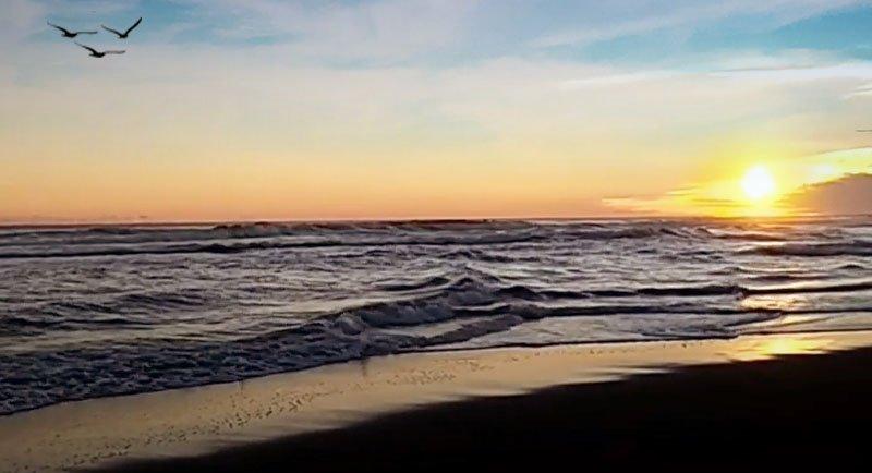 Sunset Di Pantai Keburuhan