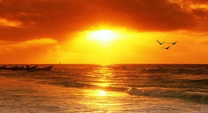 Sunset Di Pantai Legon Lele