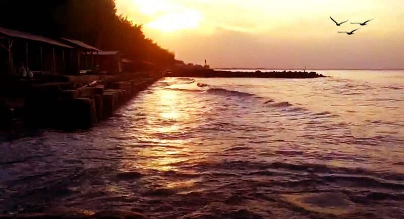 Sunset Di Pantai Muarareja