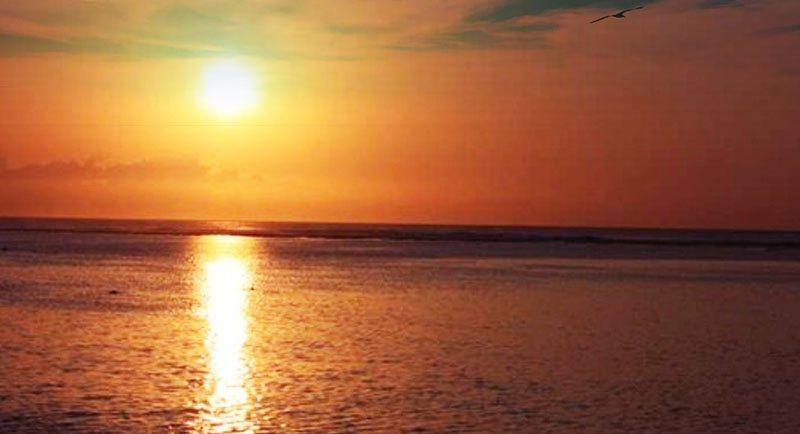 Sunset Di Pantai Slamaran