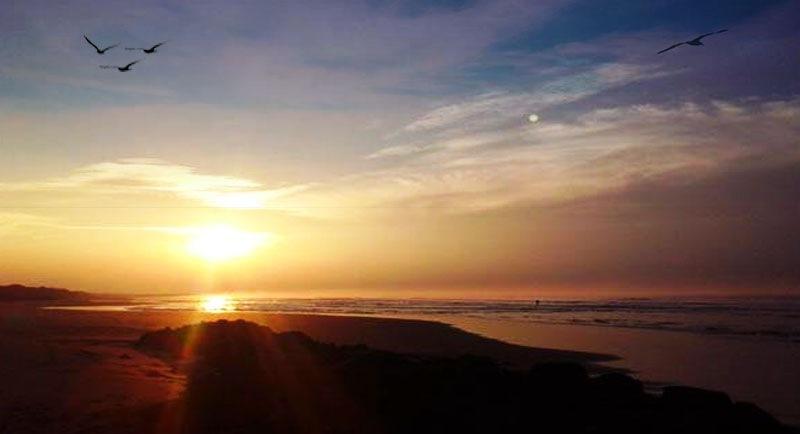Sunset Di Pantai Sukamade