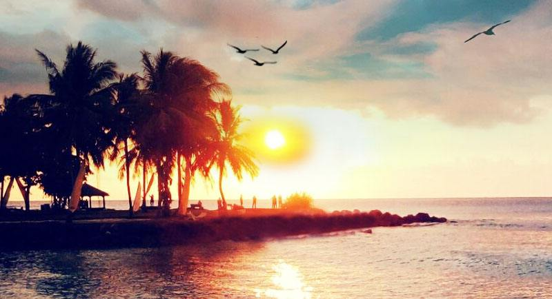 Sunset Di Pantai Tanjung Lesung