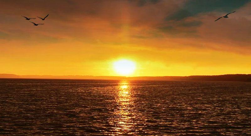Sunset Di Pantai Tirang