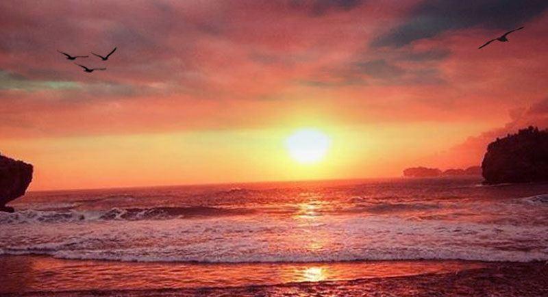 Sunset Di Pantai Watu Karung