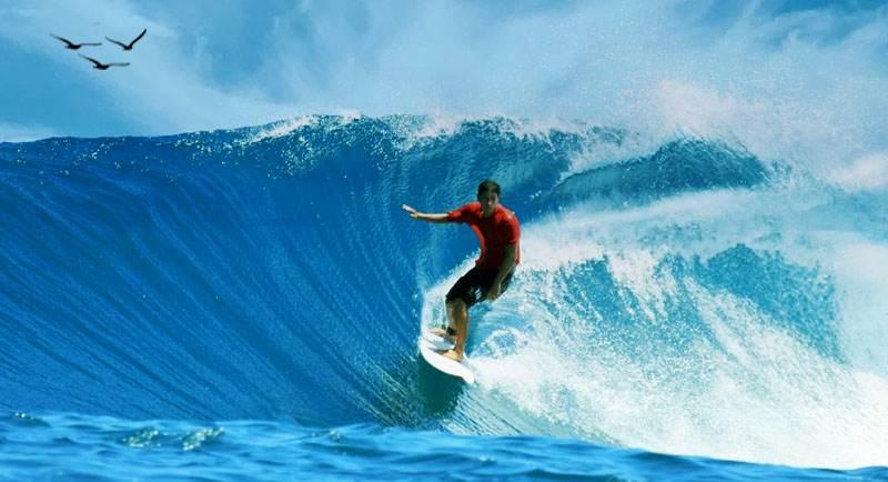 Surfing Di Pantai Jatimalang Purworejo