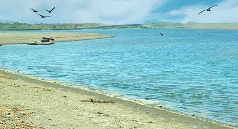Wisata Pantai Baros