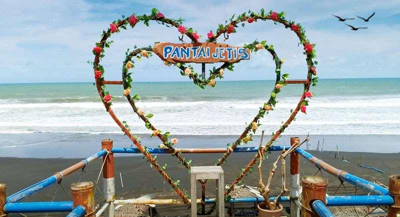 Wisata Pantai Jetis Purworejo Jawa Tengah