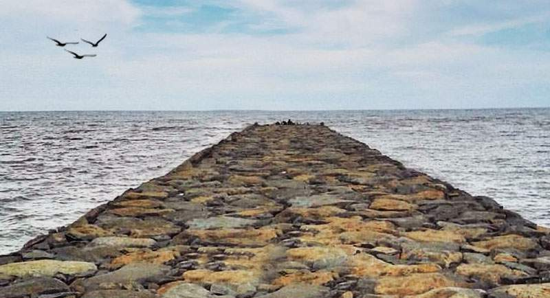 Wisata Pantai Larangan