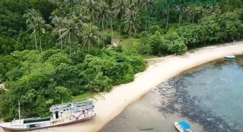 Wisata Pantai Legon Lele