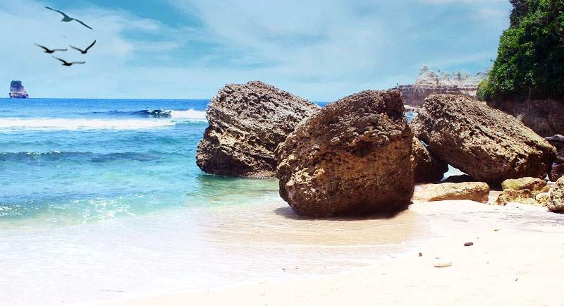 Wisata Pantai Sanggar