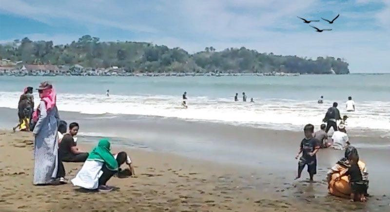 Wisata Pantai Sidem Tulungagung