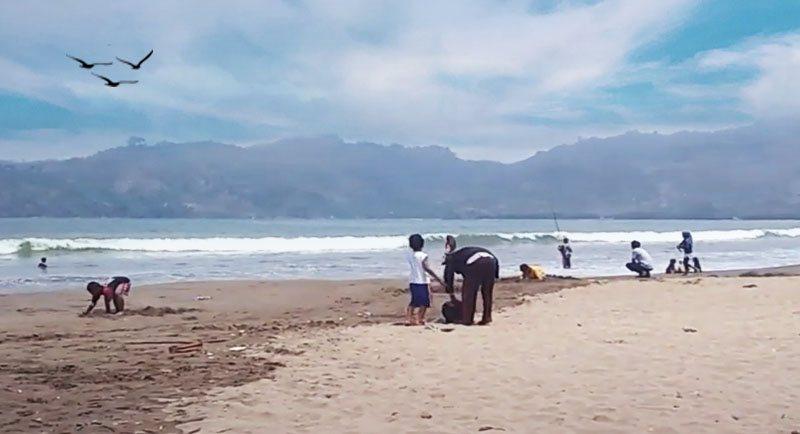 Wisata Pantai Sidem