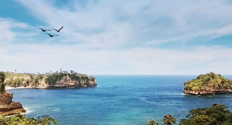 Wisata Pantai Sioro