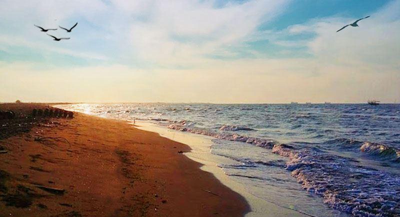 Wisata Pantai Tirang