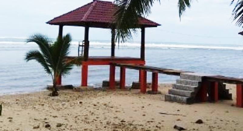 Fasilitas Pantai Sorake