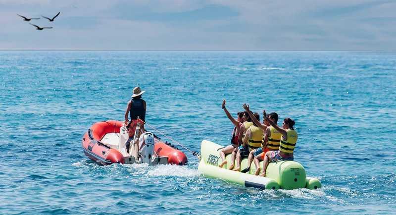 Banana Boat Di Pantai Lampuuk
