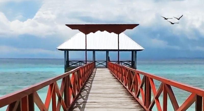 Dermaga Pantai Lakeba