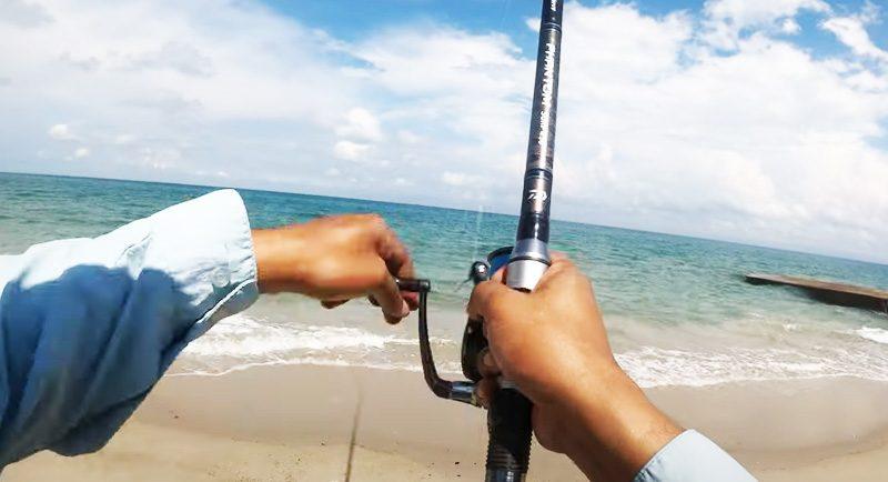 Memancing Di Pantai Kurenai