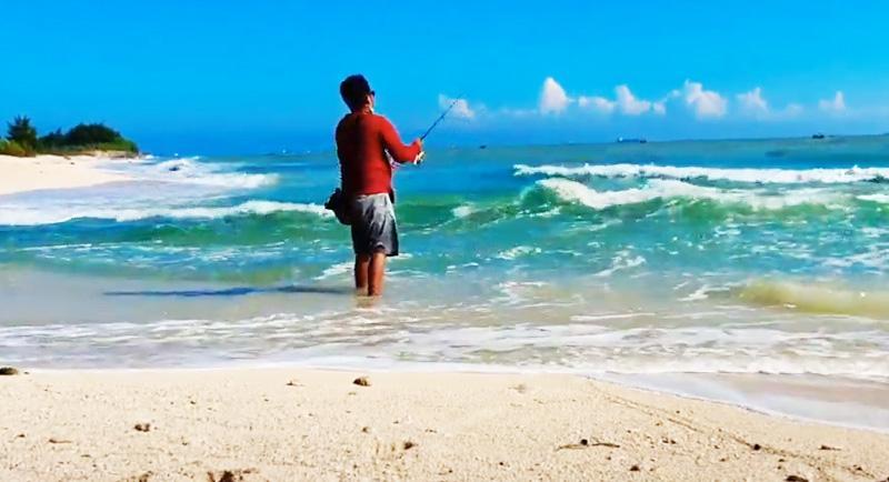 Memancing Di Pantai Remen