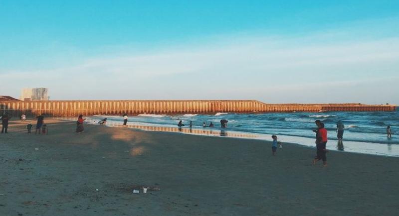 Objek Wisata Pantai Monpera