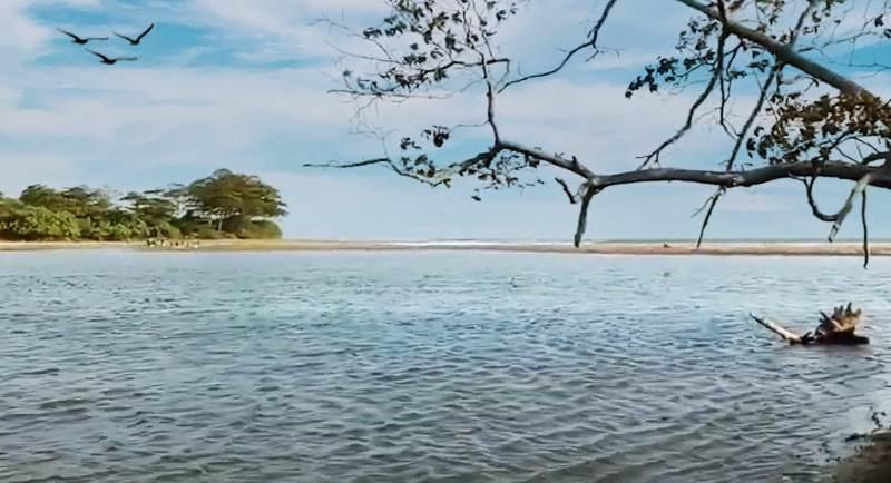 Pantai Cijeruk Indah Garut
