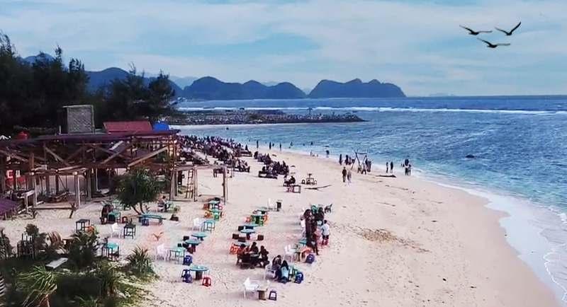 Pantai Lhoknga Aceh Besar