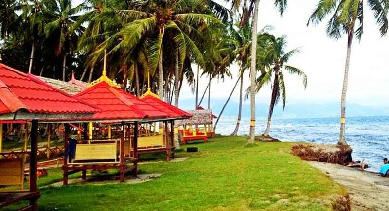 Pantai Mampie Polewali Mandar