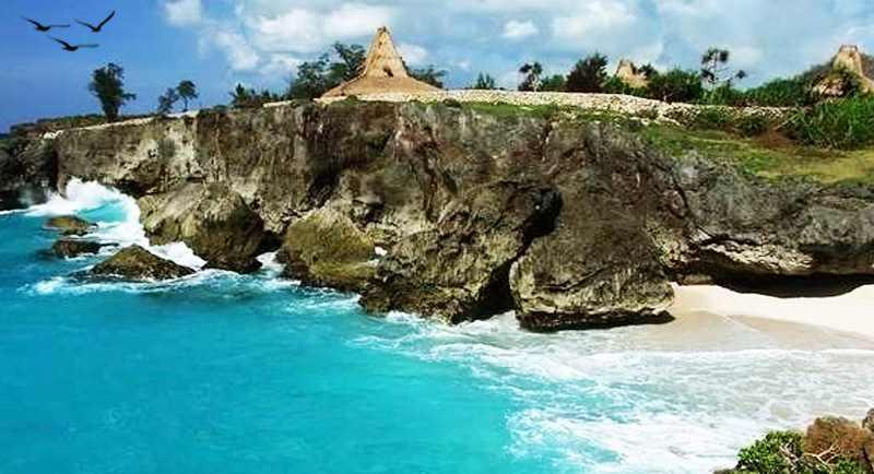 Pantai Mandorak Nusa Tenggara Timur