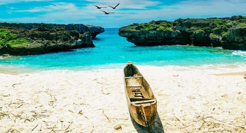 Pantai Mandorak Sumba Barat Daya